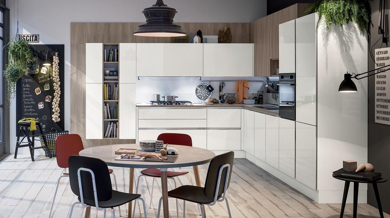 Cucina con ante lucida modello Like Veneta cucine | Arredamento ...