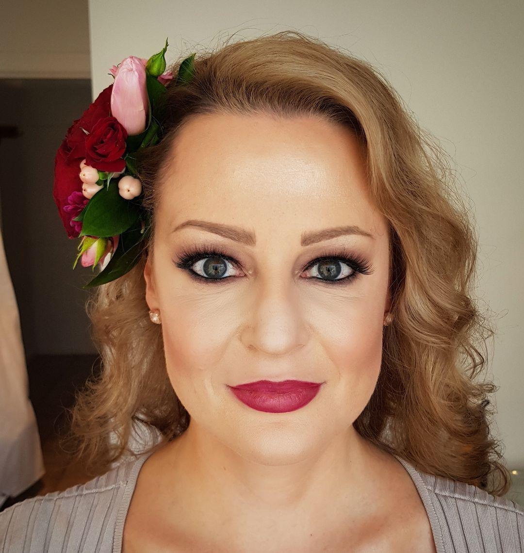 Beauty makeup hairdresser melbourne mobile hair stylist
