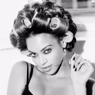 Bey in rollers. Rollos forever :)