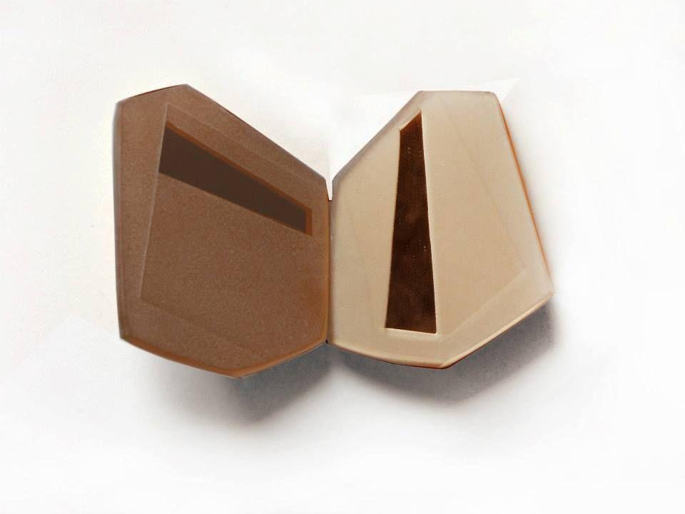 """Winner of Gioielli in Fermento 2013  Nicoletta Frigerio presents """"Compendio""""  Frammenti di specchio bronzato molato e sabbiato"""