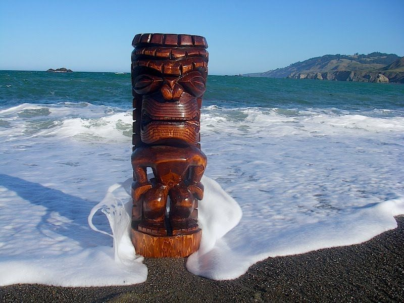TimberCoveTiki.com - carved by Kevin Murray
