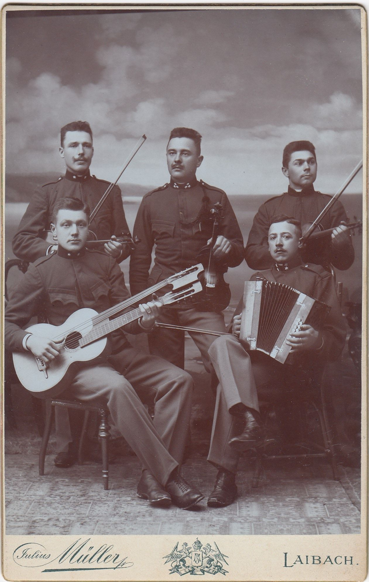 Pin by J Carr on cabinet cards   Antique pictures, Oldies ...