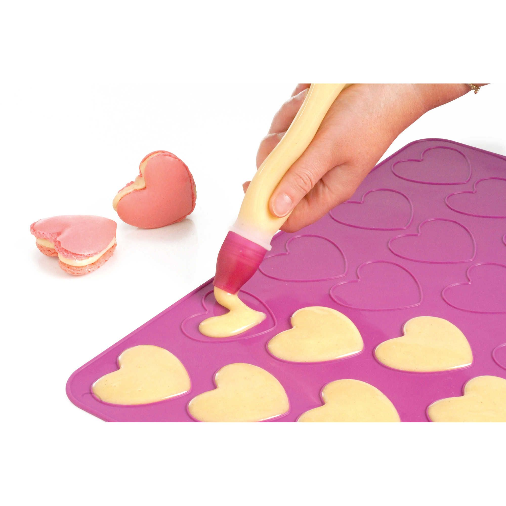 Mastrad Heart Shaped Macaroon Kit Macarons Mastrad Macaroons
