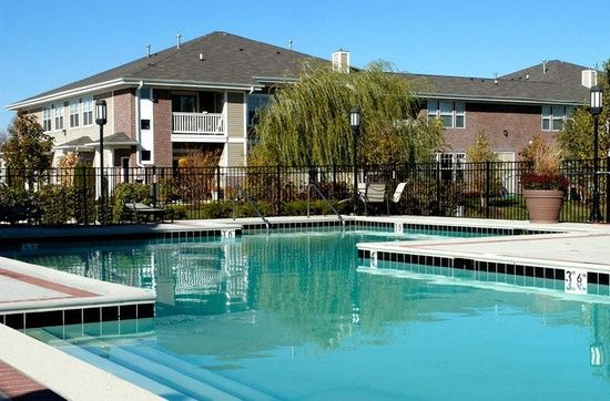 Butterfield Oaks Apartment Rentals With Virtual Tours Aurora Il Zillow Chicago Apartment Rental Apartments Virtual Tours