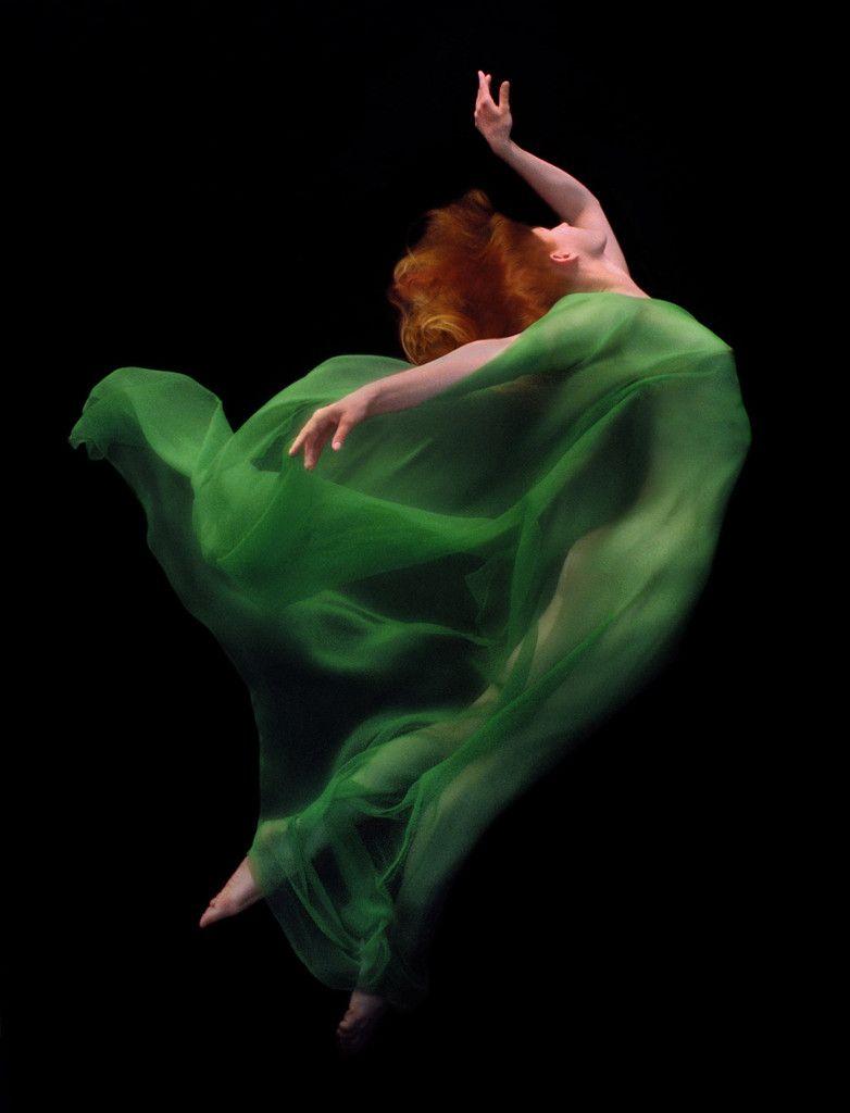 Graceful Underwater Photography by Howard Schatz