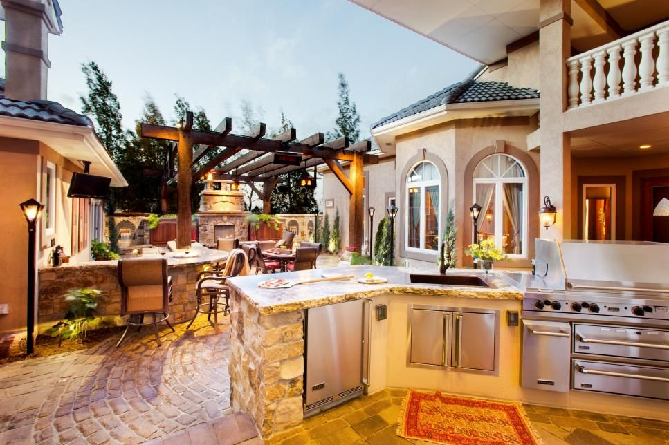 Colorado Courtyard Blends Old World Style, Modern Features | Patios ...
