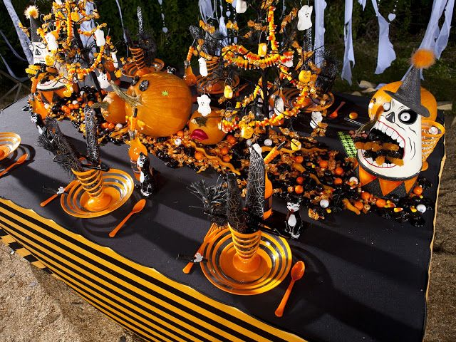 It\u0027s Written on the Wall {Halloween Tablescape} Now Some Decor For