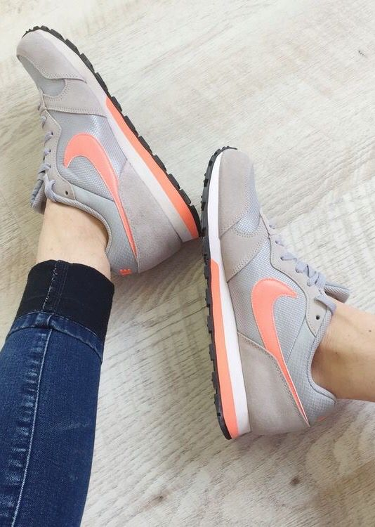 new photos 06405 0ca63 Nike wmns MD Runner 2  Grey Pink