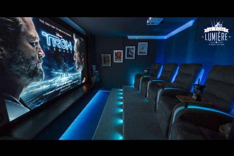 Build Your Own Pallet Home Theater!