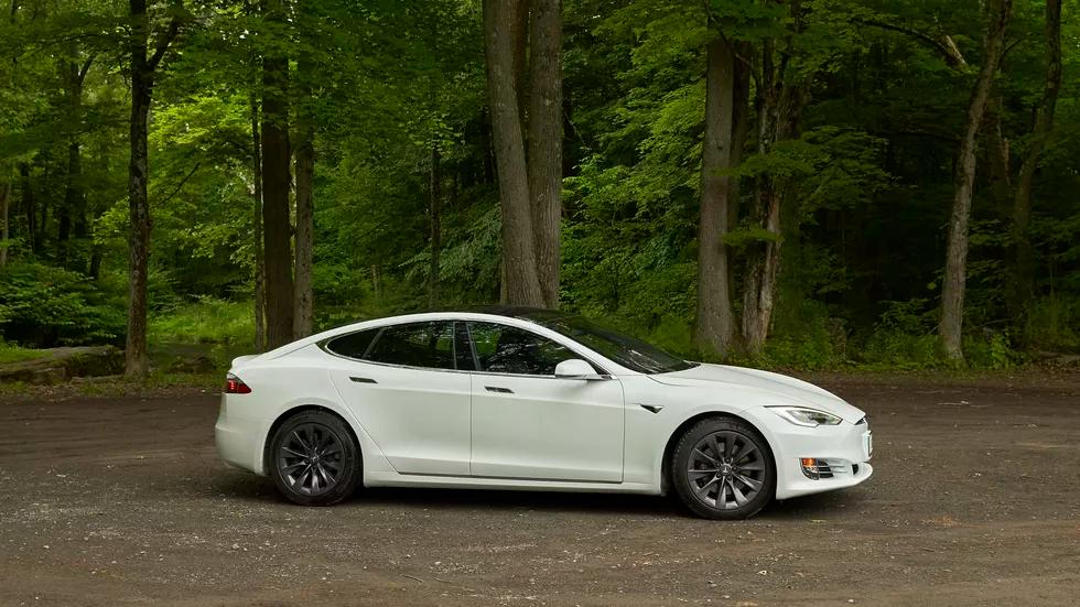 Tesla Model S Long Range takes us back to the future ...
