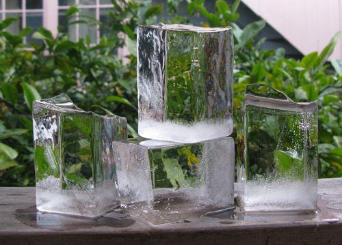 DIY - giant crystal clear ice cubes