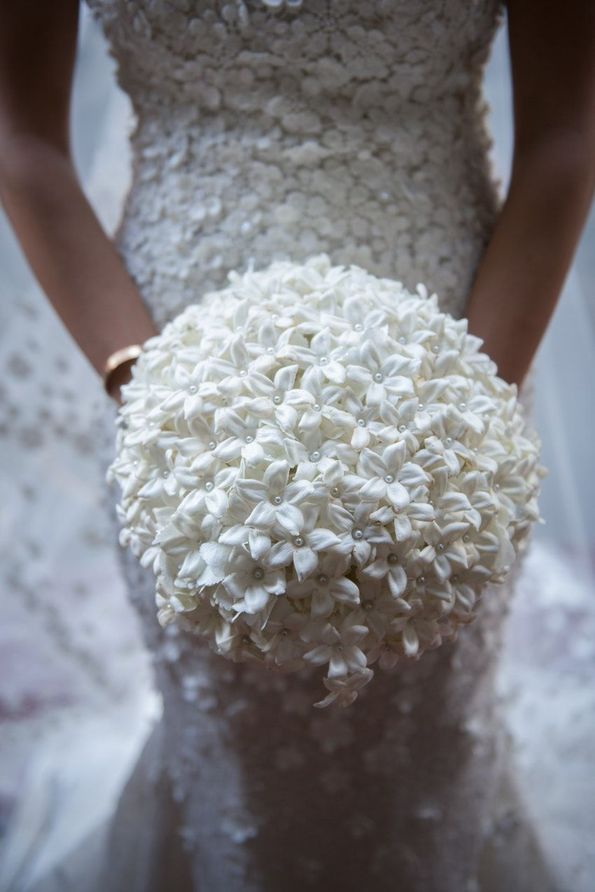 Beautiful All White Bouquet Floral Decor Flowers By Brian