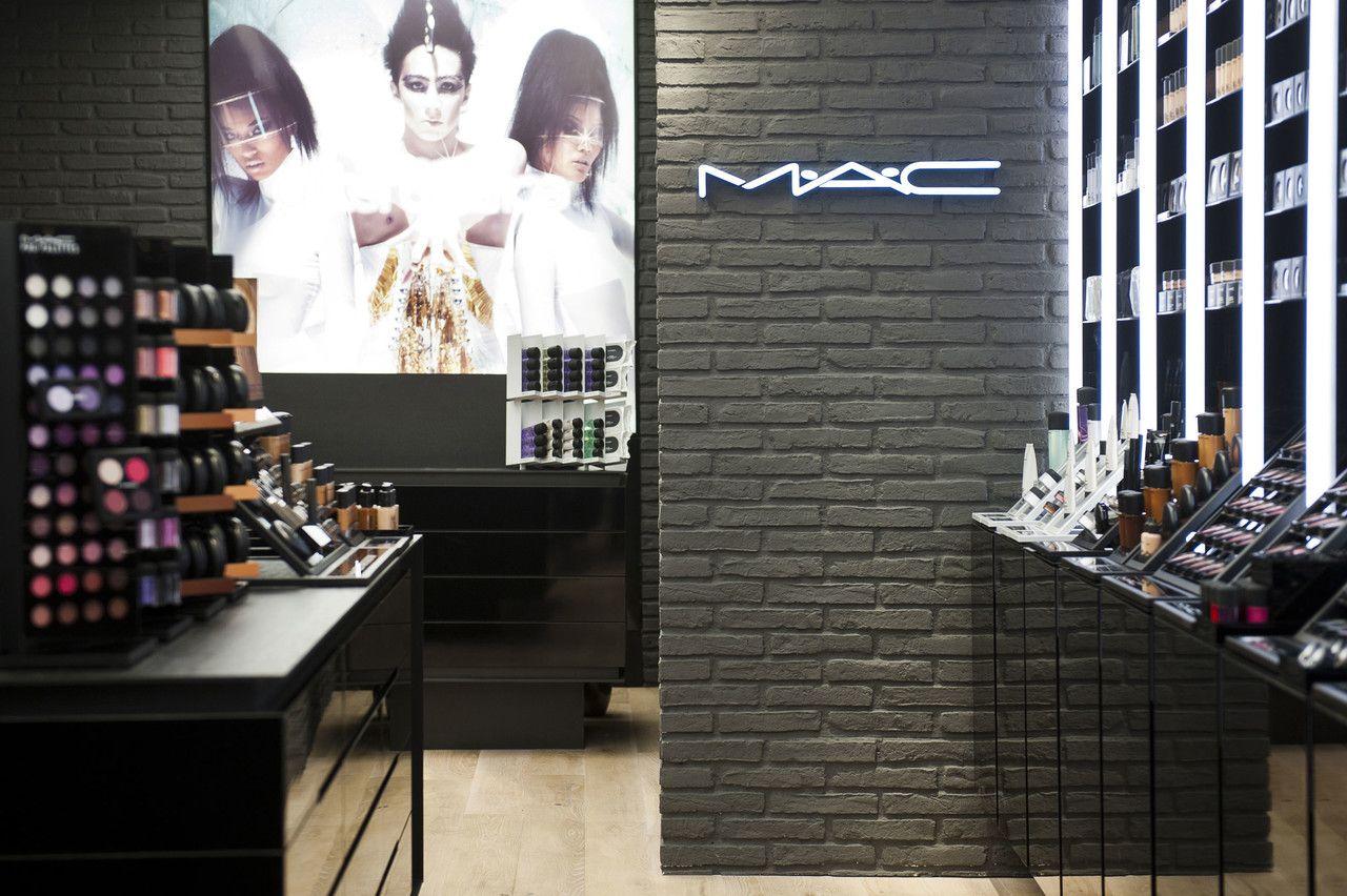 2b5f9dcf1 MAC Cosmetics Store Liege | Work | Pinkeye designstudio #pinkeyedesign