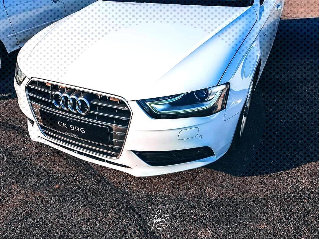 Audi A4 . . .