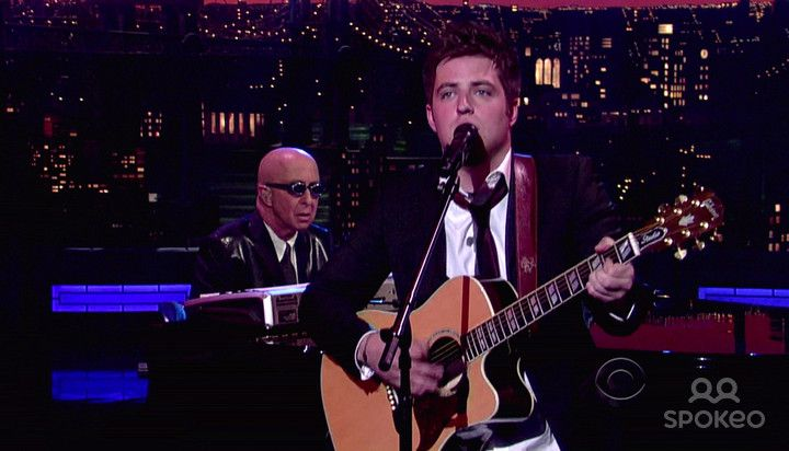 Lee DeWyze appears on CBS's 'Late Show With David Letterman' to talk about his recent win of 'Ameircan Idol'. DeWyze also performs.
