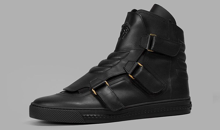 7e618e93413 Versace-Medusa-Mens-shoes-fashion-Fall-Winter-2015-2016-collection-leather- sneakers -high-top-gold-online-cool-expensive-black-white-rare-blog-showcase-4