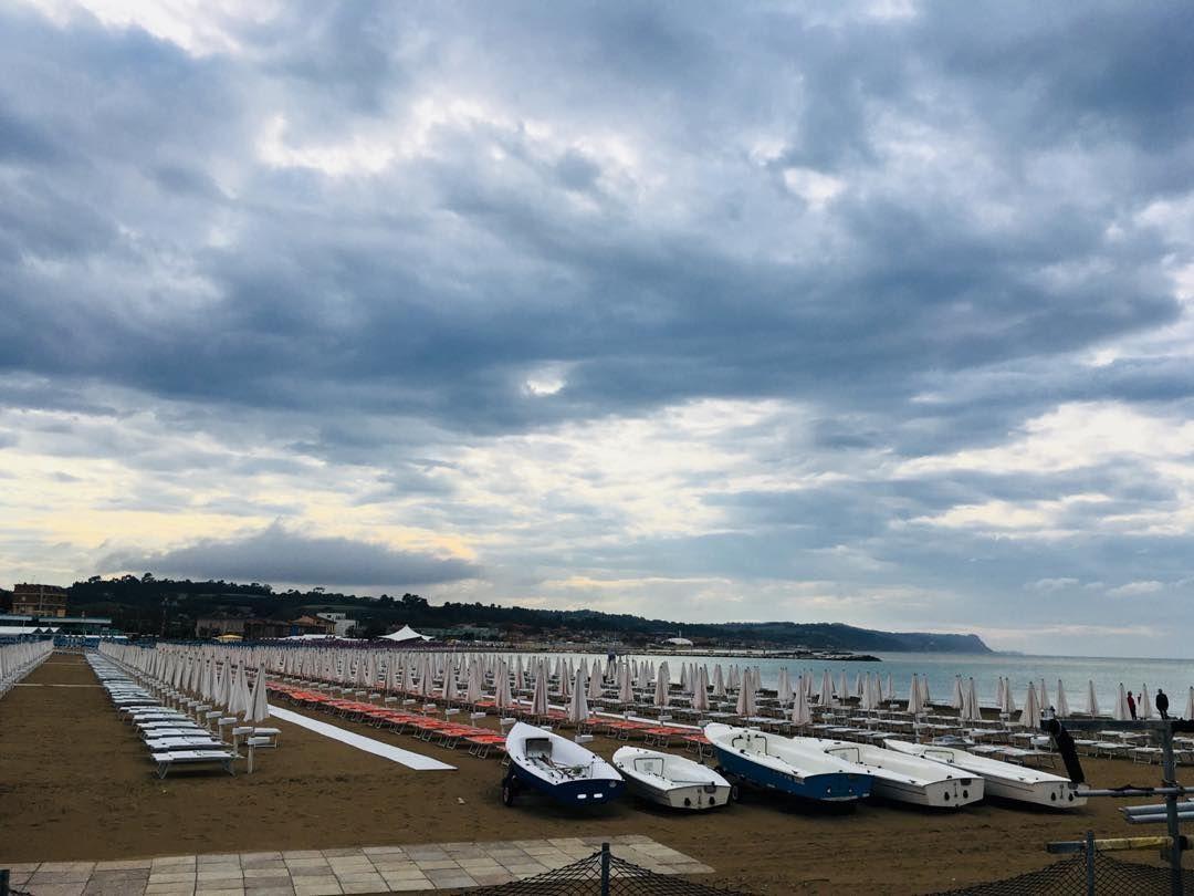 Lido Di Fano Spiaggia Sabbia Odoredelmare Ilvento Lapioggia Bellezza Instagram Instagram Posts Views