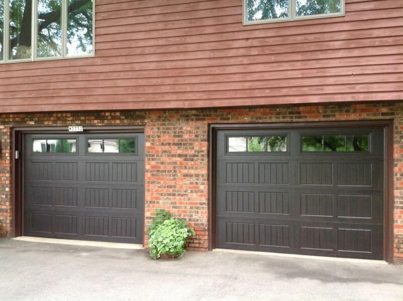 199v5 16ra2 9 X 7 Thermacore Door Walnut Finish With Stockbridge 2 3 Lite Windows Garage Doors Doors Overhead Garage Door