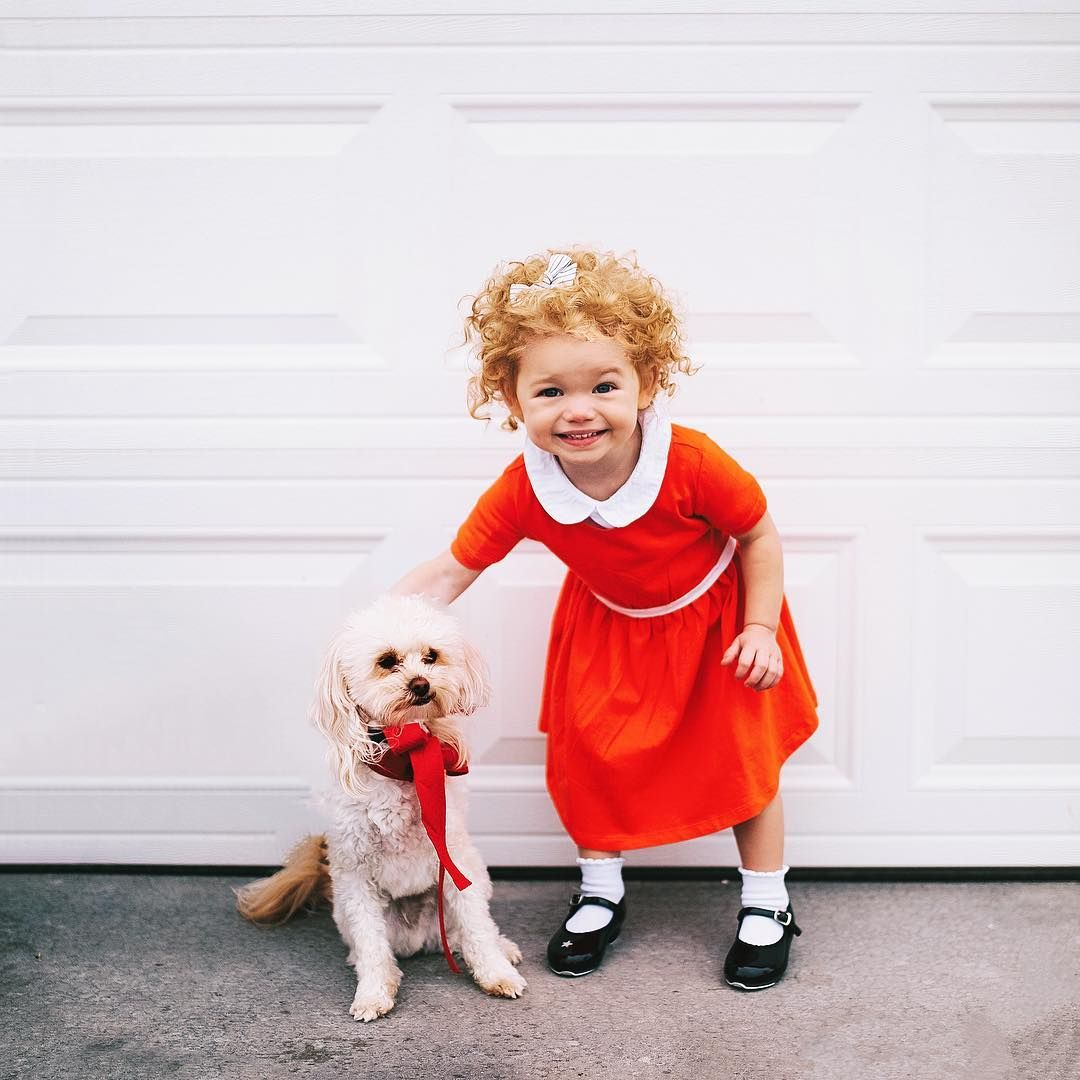 Toddler and dog costume orphan Annie DIY for Halloween