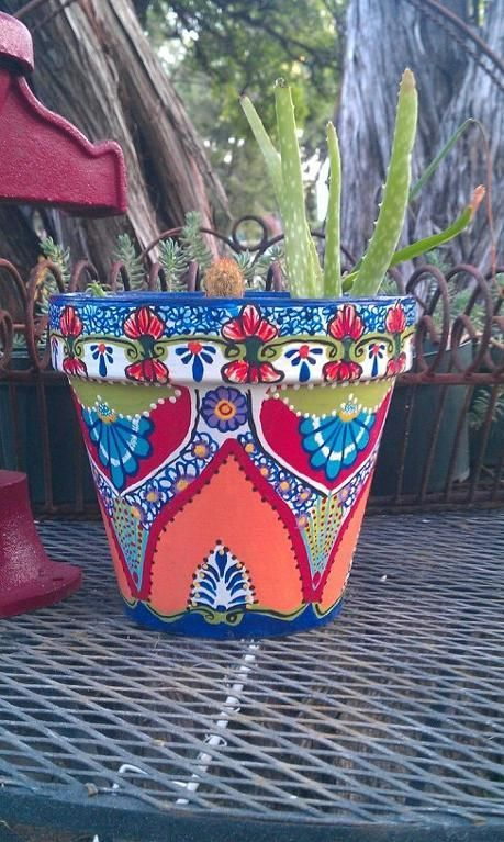 Talavera Style Planter I Have A Looooong Way To Go Before Could Do This Mexican Macetas Pintadas Decoradas Pintura