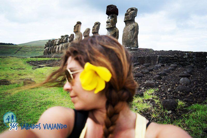 La Isla de Pascua es ese lugar mágico en el que suceden cosas... Un punto importante en lo que fue nuestra vuelta al mundo. No os da la sensación que las islas tienen magia? #pascua #rapanui #moai #pacifico by vir_365sabados