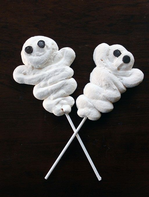 Bootiful Meringue Ghost Pops Halloween Recipes Food  Halloween