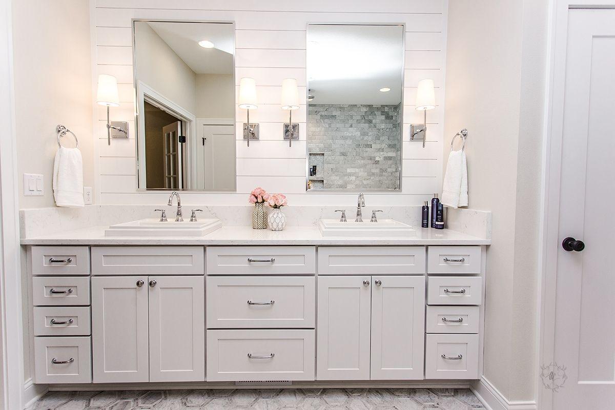 White paneled bathroom walls | Oakstone Homes Houses | Pinterest ...