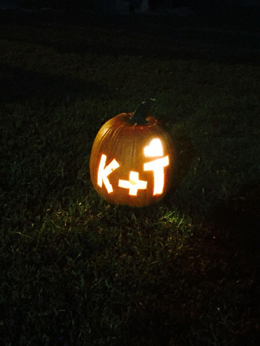 Couple Pumpkin Carving K T Cute Pumpkin Carving Pumpkin Carving Couples Carved Pumpkins