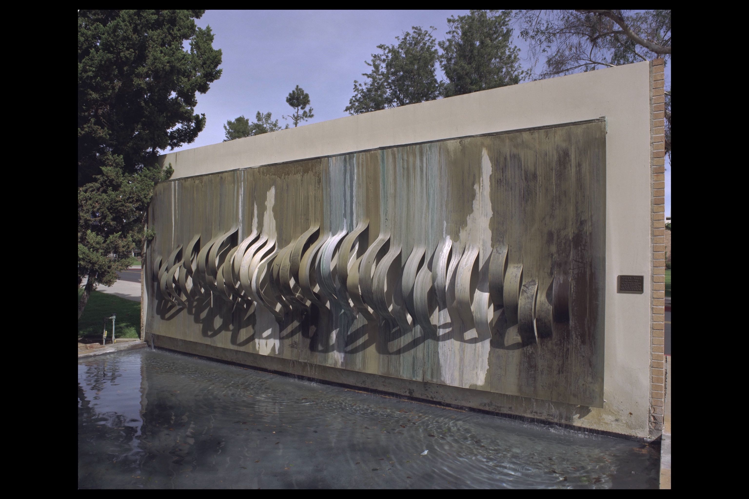 It will be a great options for outdoor water wall design for Outside wall art