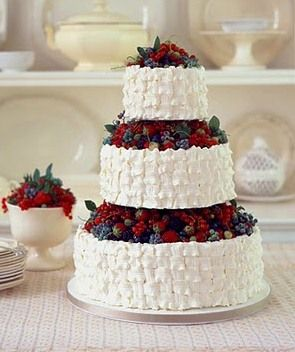 hochzeitstorte cake real flowers fruits hochzeitstorte hochzeitstorte fr chte und. Black Bedroom Furniture Sets. Home Design Ideas