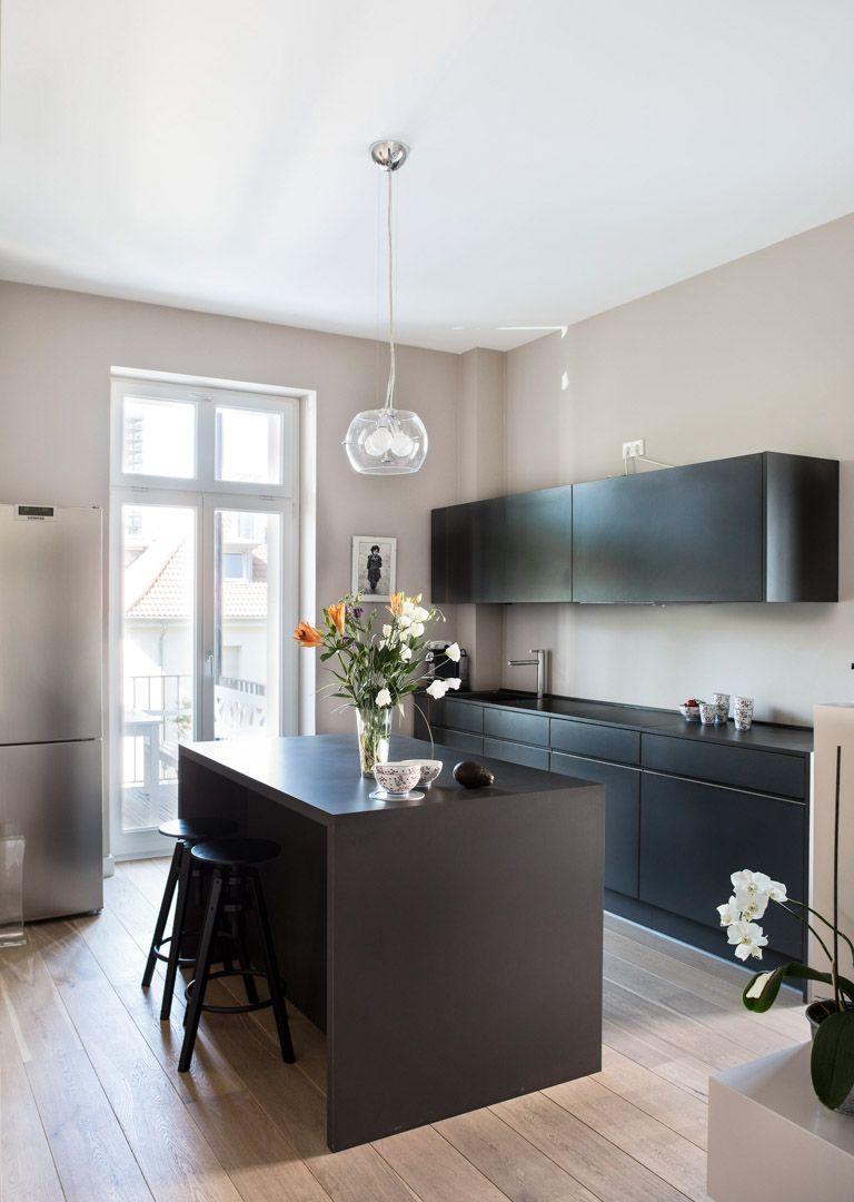 pin von anna von mangoldt farben auf graugr ne wandfarben und schlammt ne kreidefarbe. Black Bedroom Furniture Sets. Home Design Ideas