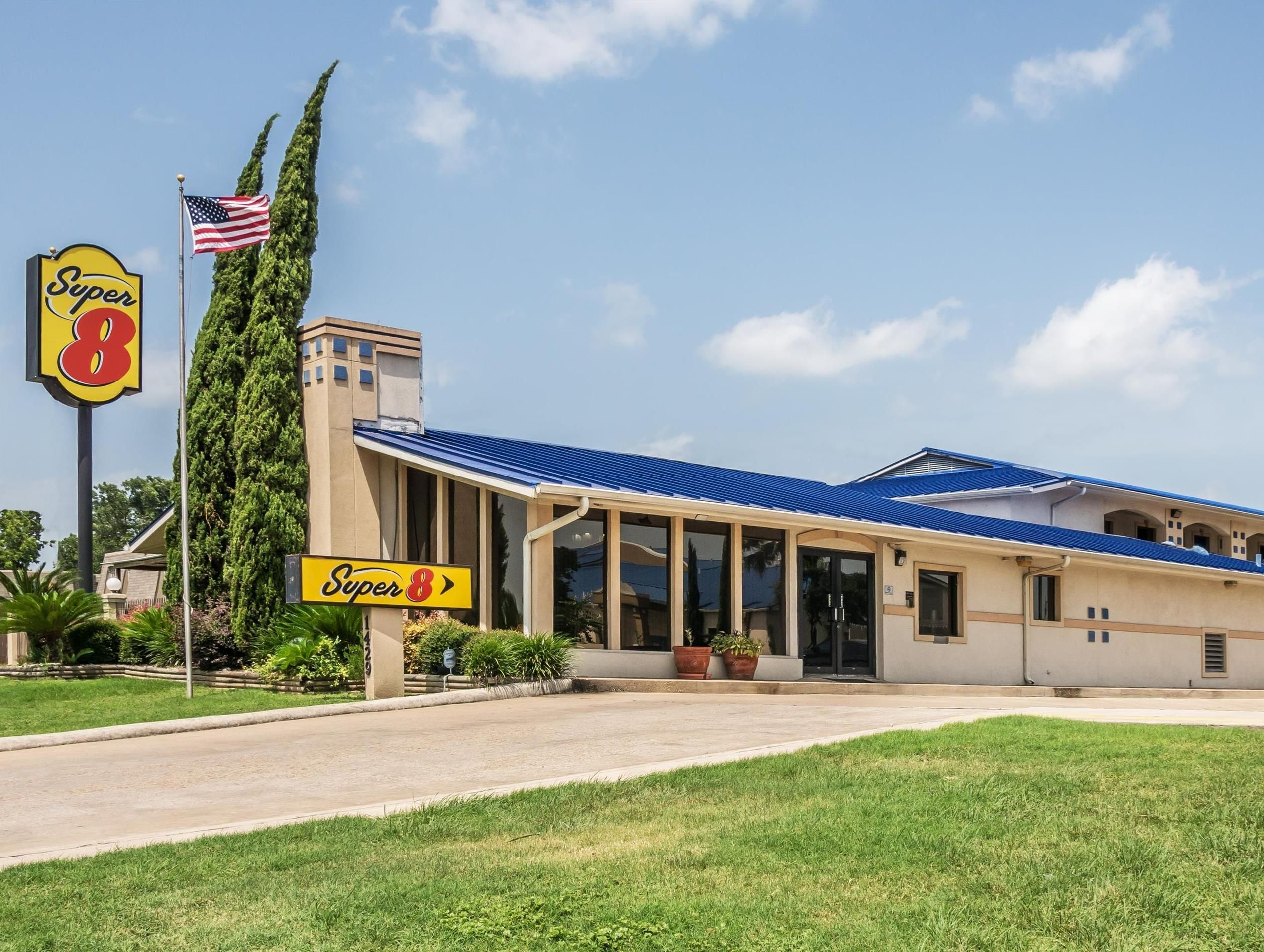 San Marcos Tx Super 8 San Marcos United States North America Stop At Super 8 San Marcos To Discover The Wonders Of San Marco San Marco Affordable Hotels San