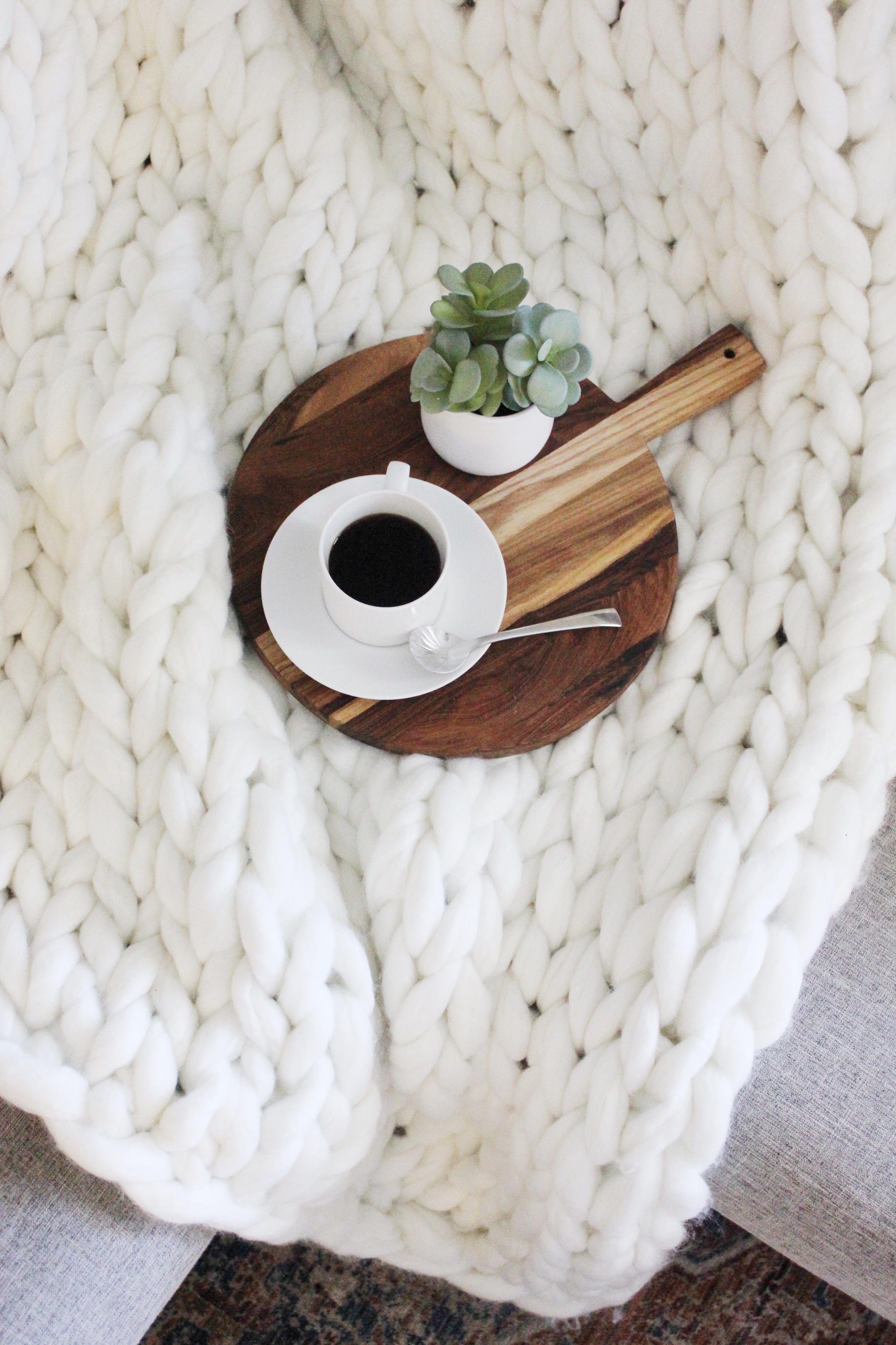 Diy chunky knit blanket diy cozy blankets chunky knit