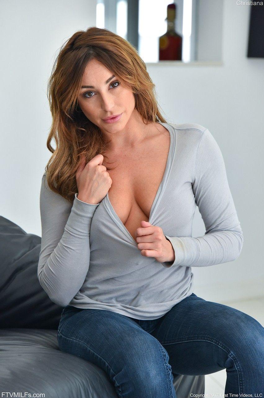 Krissy Lynn Masturbates And Mouthfucked