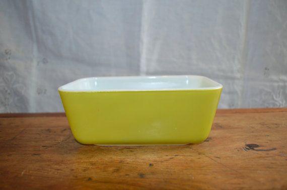 Great PYREX REFRIDGERATOR Dish. Verde Green by GottaBuyVintage