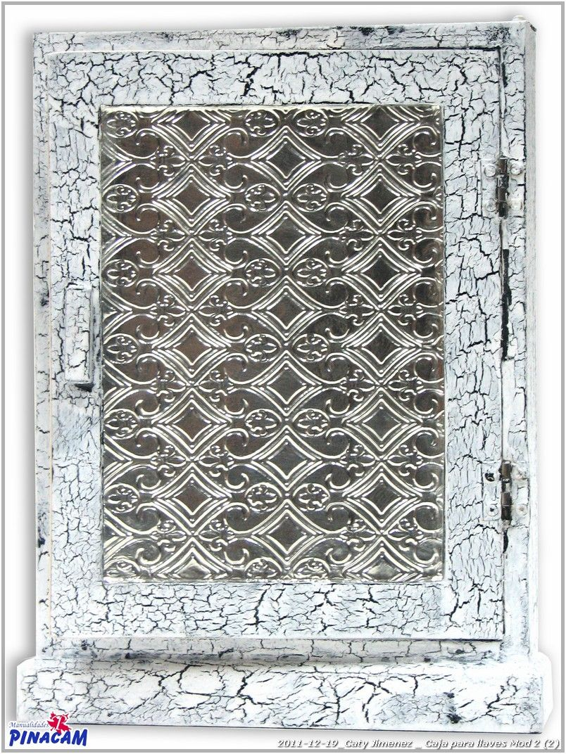 Caja decorada por Caty.              #manualidades #pinacam #estaño #aluminio  www.manualidadespinacam.com
