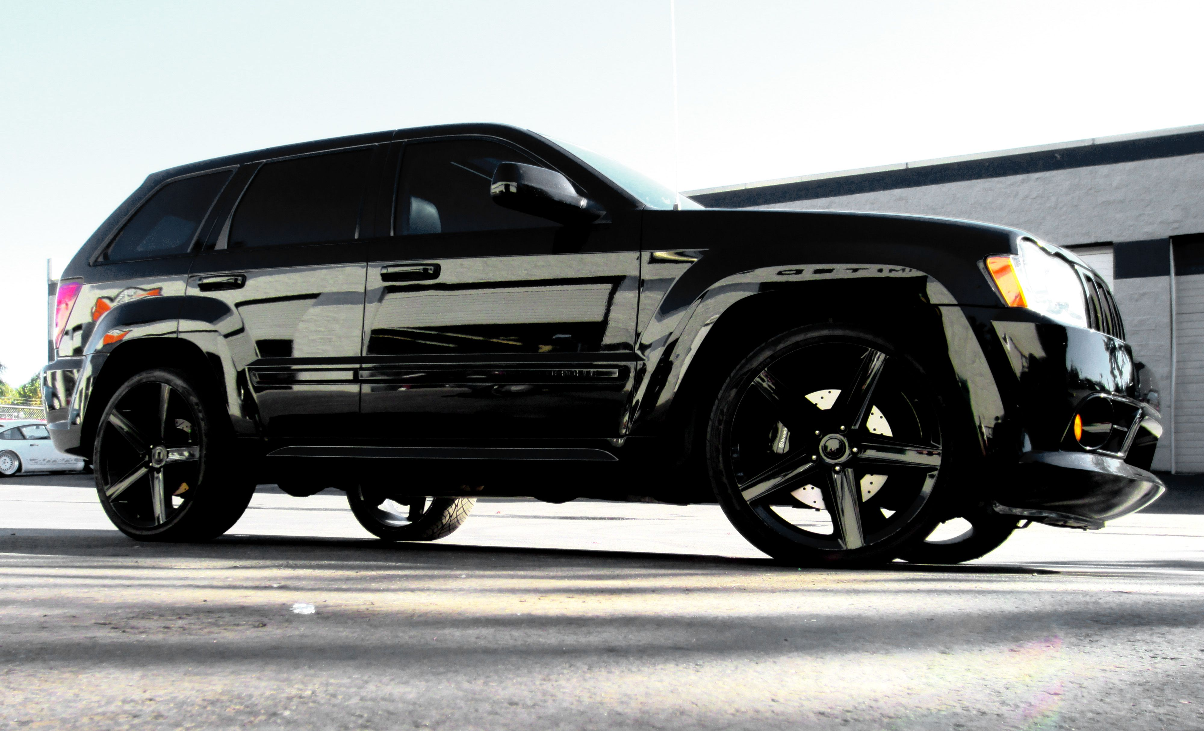 full chrome trim blackout on this jeep cherokee srt8 i. Black Bedroom Furniture Sets. Home Design Ideas