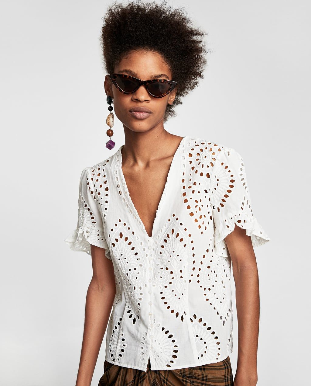 090edb52f1cb25 Image 3 of DIE-CUT EMBROIDERED BLOUSE from Zara