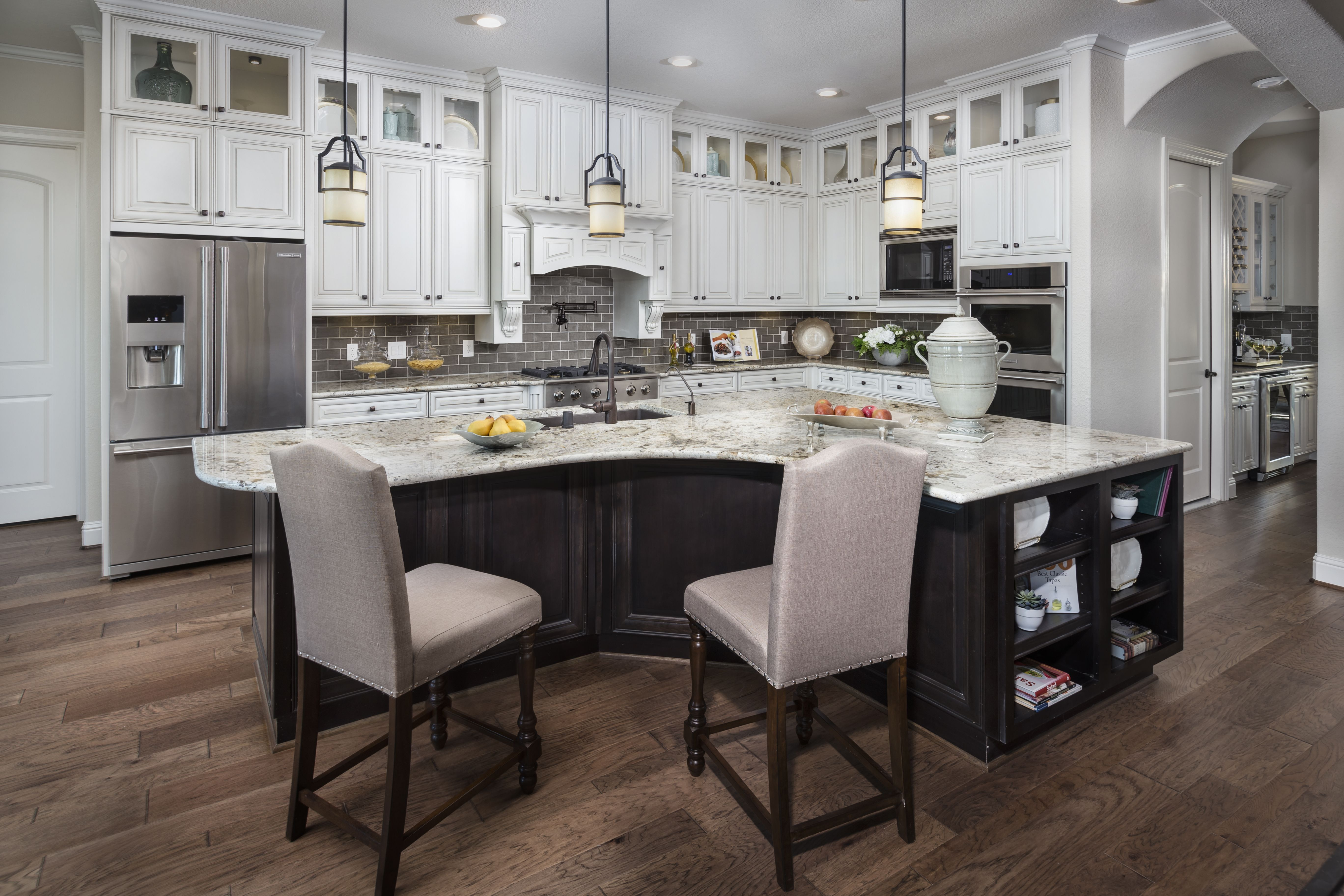 Elegant Granite top Kitchen island with Stools