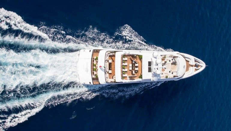Illusion V | The 10 Best Charter Yachts for Winter