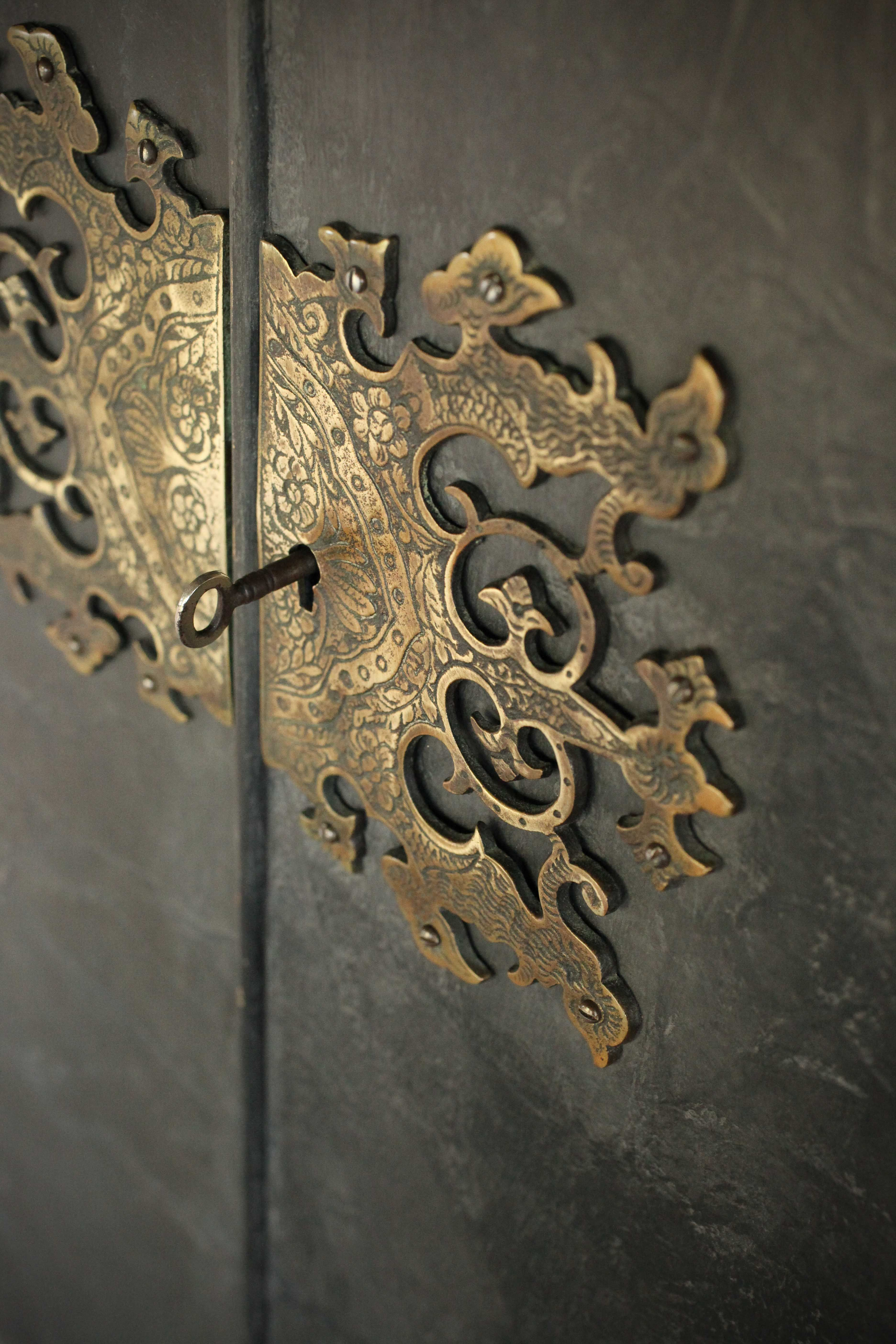 Chinoiserie / Oriental Brass Door / Cabinet Hardware   Source For Chinese  Hardware: An EBay