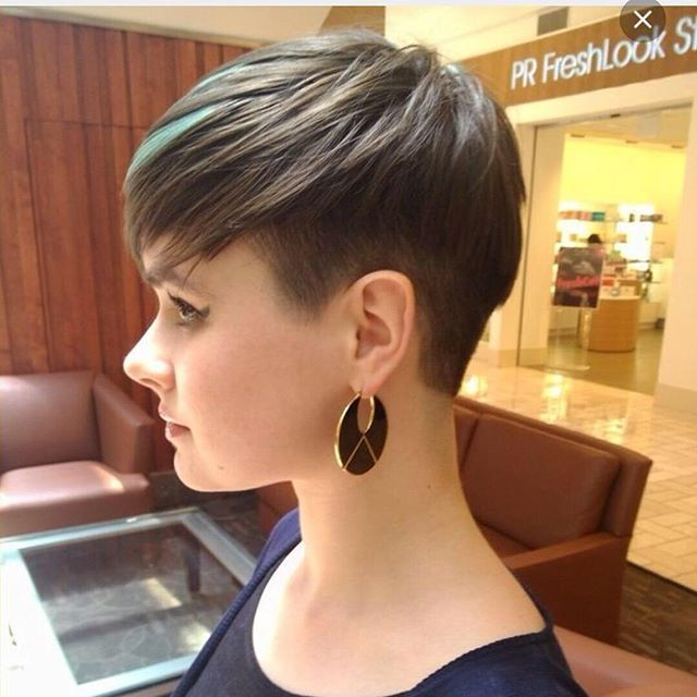 short pixie haircut for fine thin hair                                                                                                                                                                                 More #HairstylesForWomenWithRoundFaces