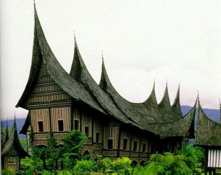 Unique Gadang House Architecture Indonesia Desain Arsitektur Arsitektur