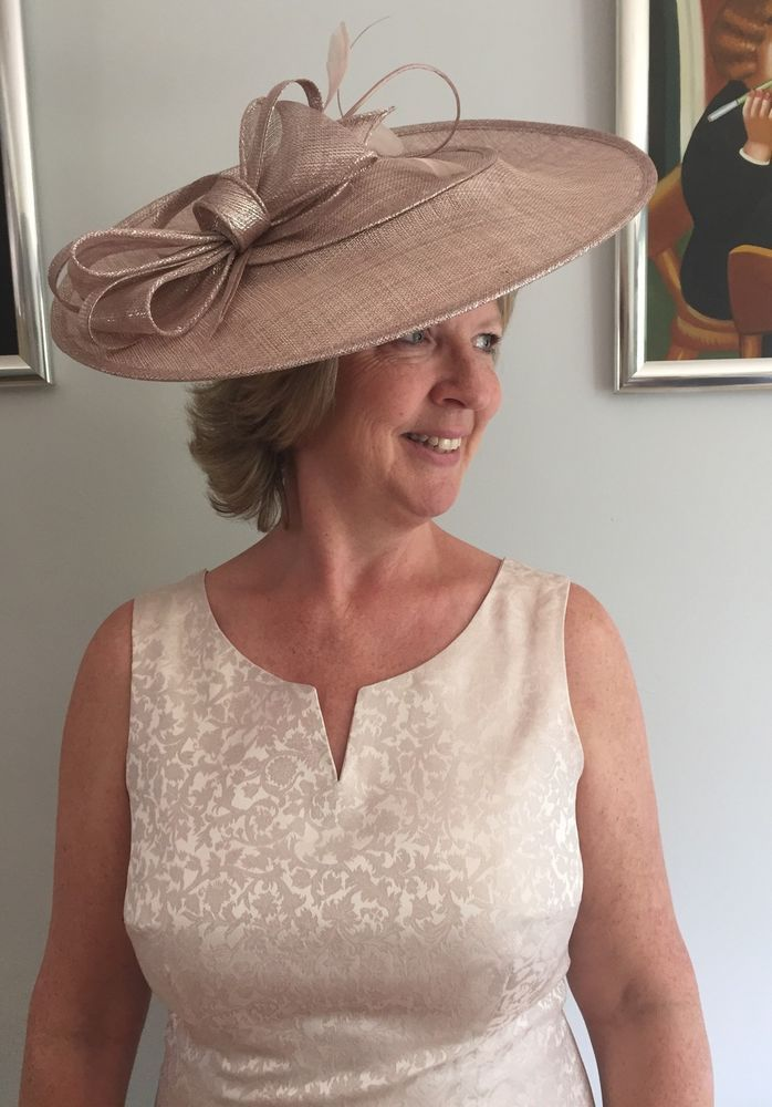 PALE DUSKY PINK HATINATOR DISC HAT WEDDING ASCOT OCCASION MOTHER OF THE  BRIDE 4eae72f29f7