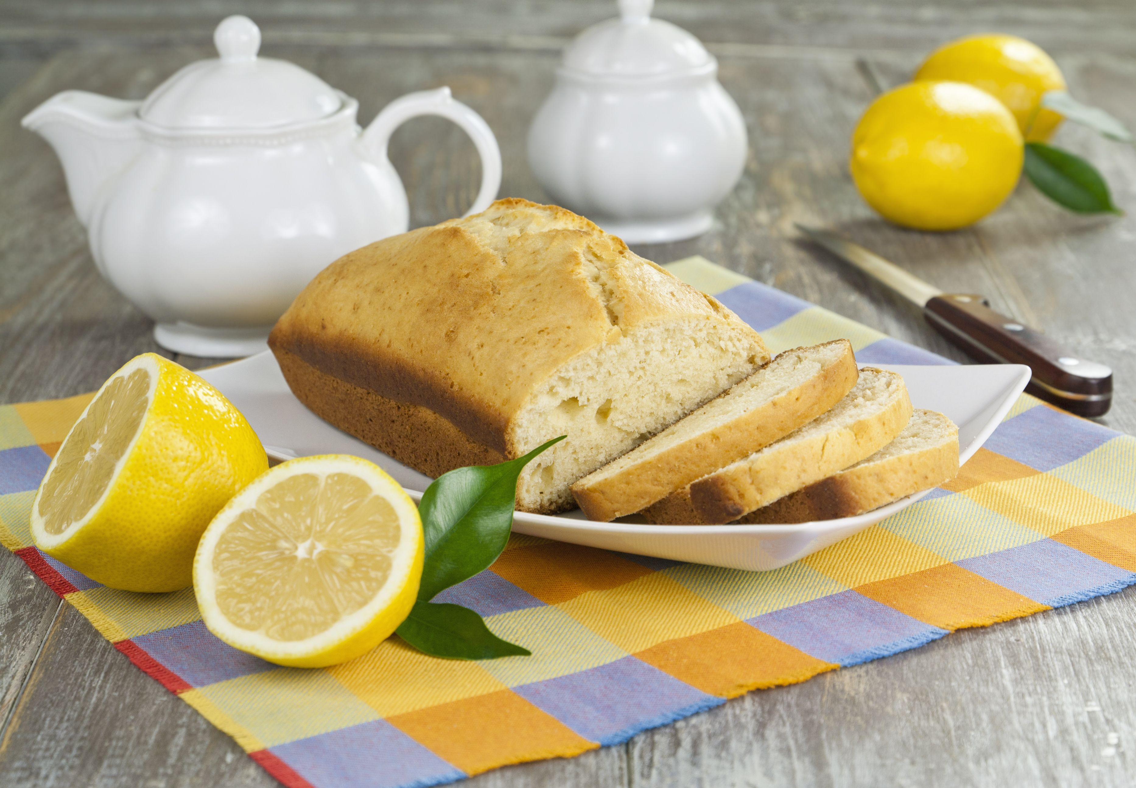 Luscious and Light Lemon Cake