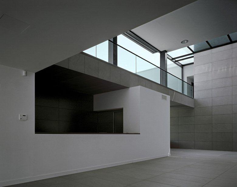 Melfi Headquarters, Pettoranello di Molise, 2006 - Medir architetti