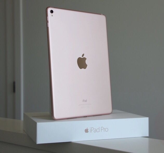 my rose gold ipad pro 9 7 it totaladdiction my. Black Bedroom Furniture Sets. Home Design Ideas