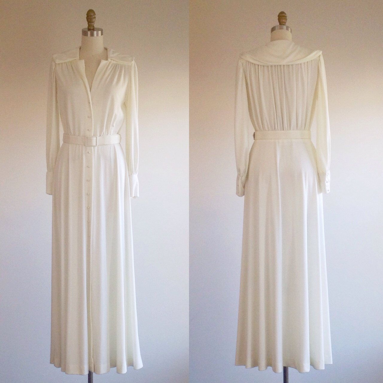 Ivory wedding dress Bridal gown 1970s wedding dress