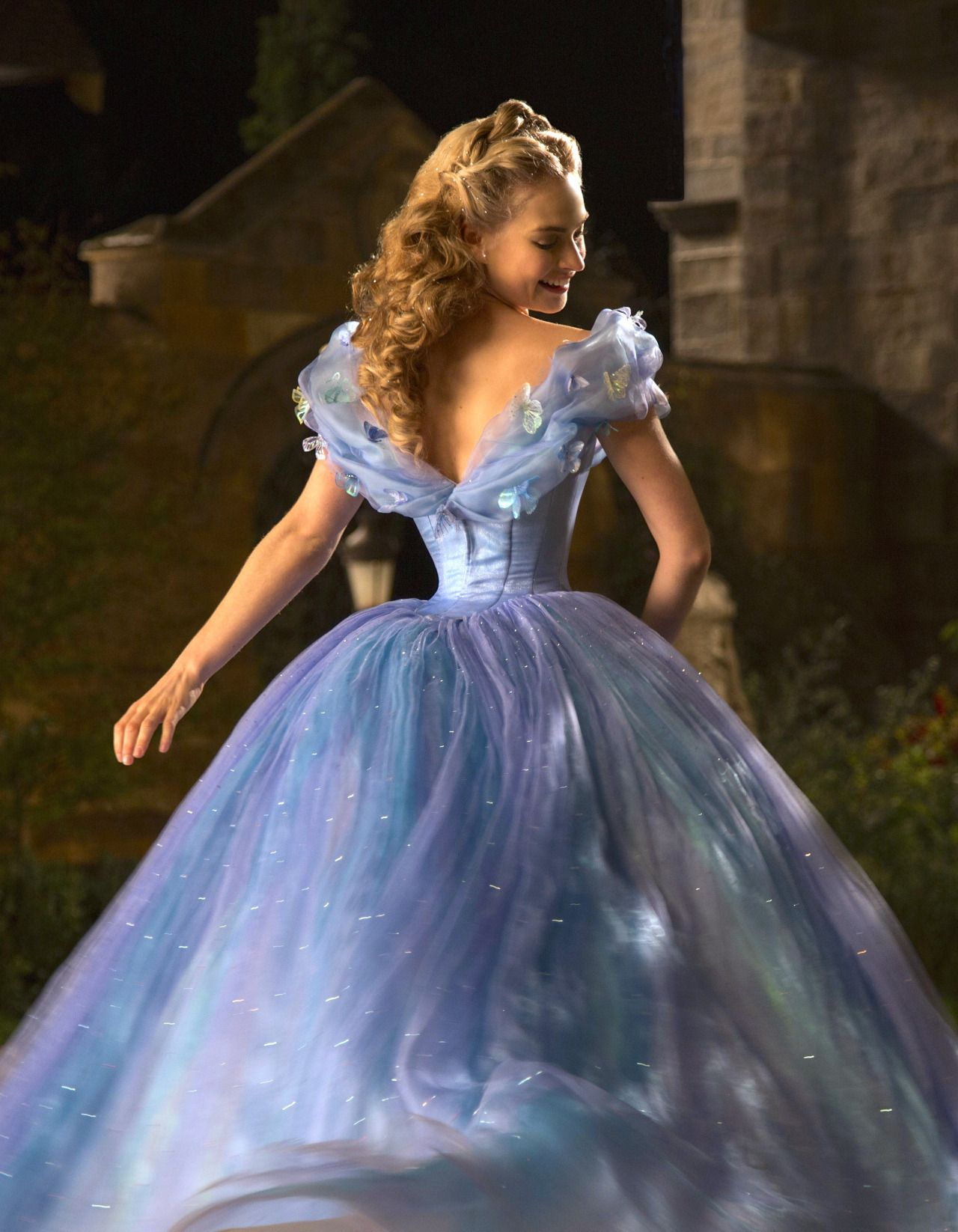 Everybody Wants to Live Happily Ever After   Photo La Cenicienta Pelicula 125e73de7751