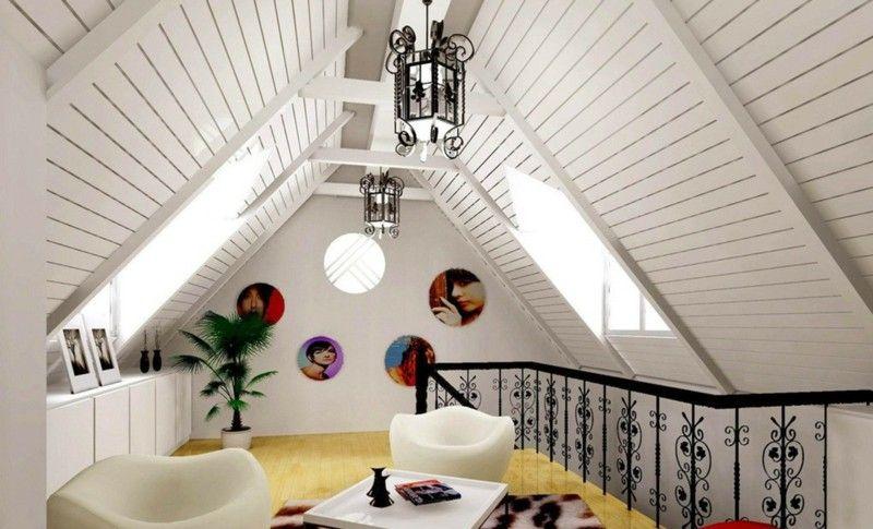 Ideen Zur Deckengestaltung - Weißes Holz Bei Einer Dachschräge